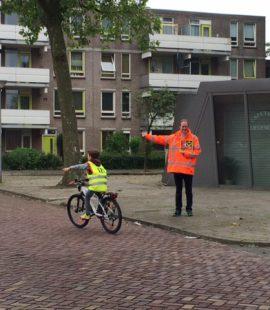 Ronnico helpt schoolkinderen in Eindhoven