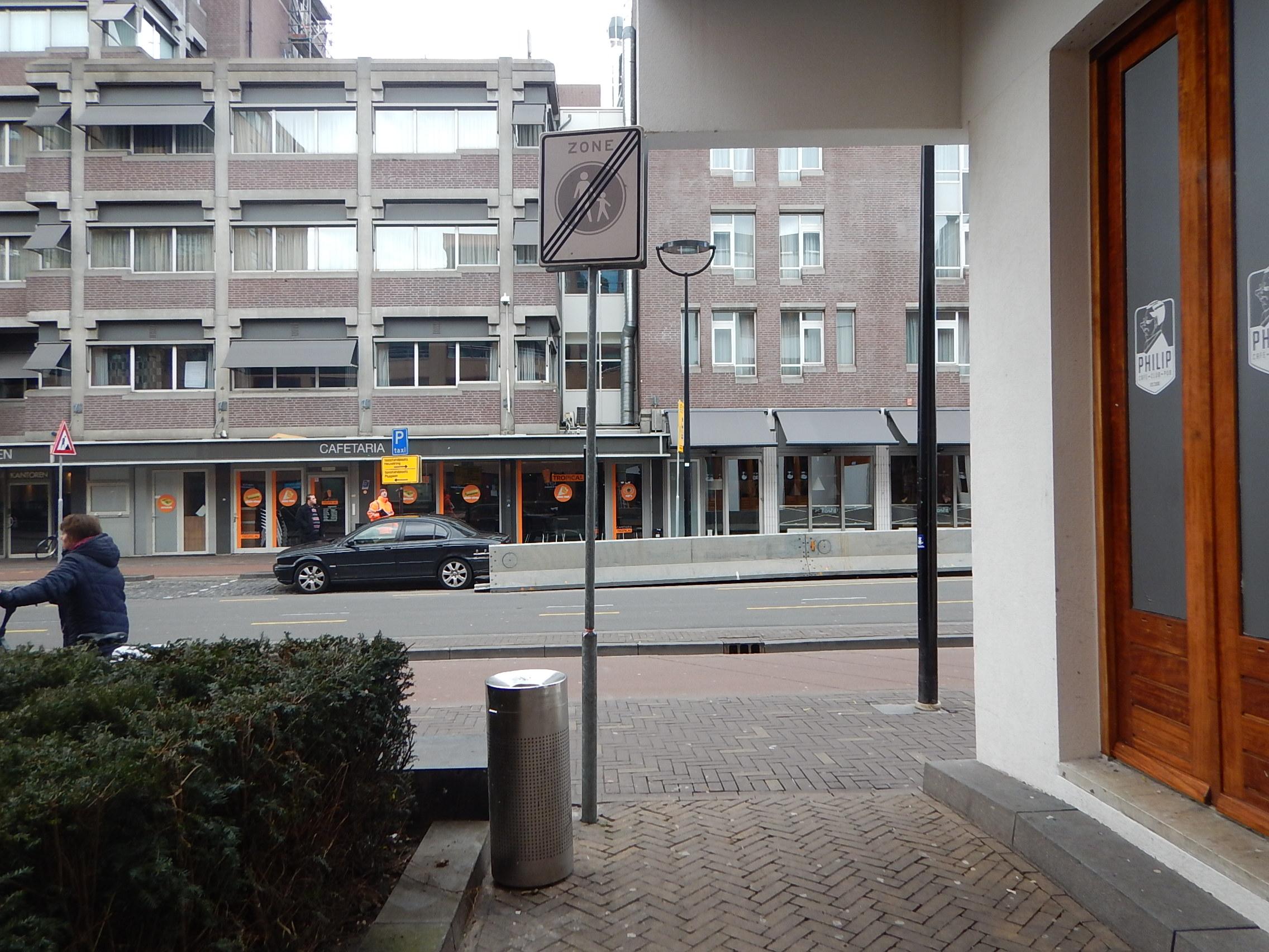Overbodige borden saneren in Tilburg